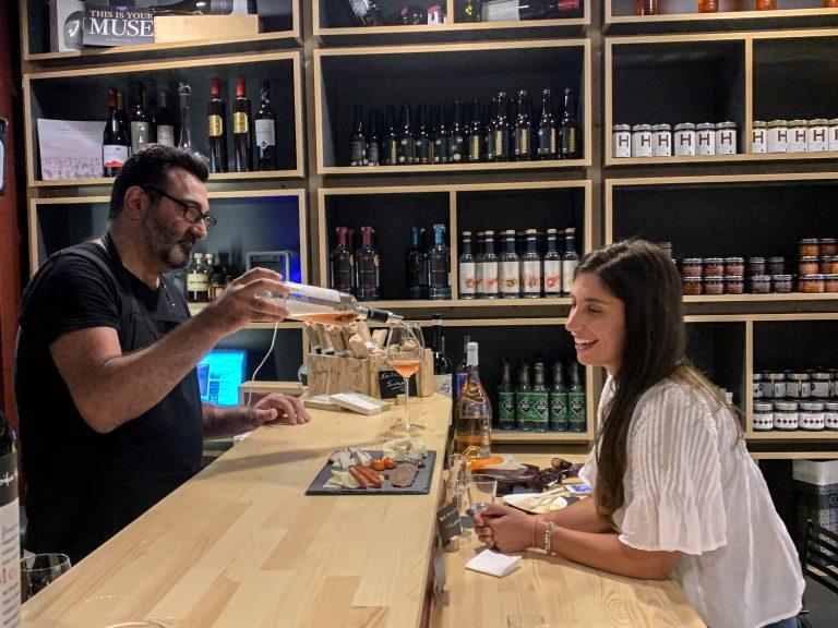 athens food tour in delicatesseria