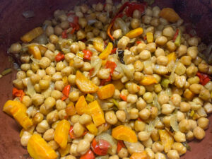 cooked chickpeas recipe in the clay pot